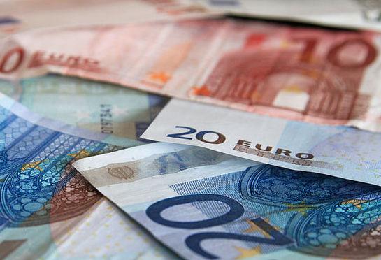 Курс чешской кроны к рублю зависит от курса кроны к евро